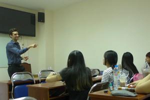 Người nước ngoài mở lớp dạy ngoại ngữ ở nhà được không?