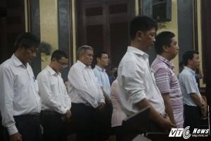 """Các bị cáo trong vụ VN Pharma bị tòa xét xử tội """"Buôn lậu"""" . (Ảnh: Dương Thương)"""
